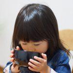 なぜ2~3歳の子供は食事に時間がかかるのか?