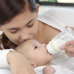 いつまで哺乳瓶でミルクを飲むの?―哺乳瓶をやめる4つの方法―