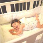 赤ちゃんが夏でも快適に寝るために。―布団・パジャマどうする?―