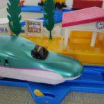 3歳の子供にトーマスのプラレールを買ったらこうなった。