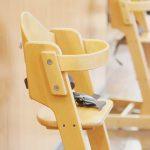 赤ちゃんはいつからベビーチェア(椅子)に座れるようになるか?