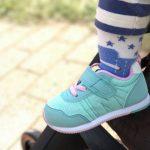 ファーストシューズはいつから履くの?―赤ちゃんの「靴」買い方ガイド―
