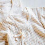 【育児の時短ワザ】2枚重ねで赤ちゃんの着替えを素早く済ます方法